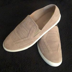 Shoes - Tan canvas shoes